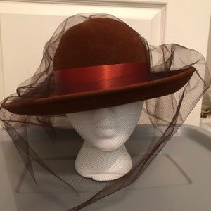 🎉 GORGEOUS HAT WITH VEIL 🎉